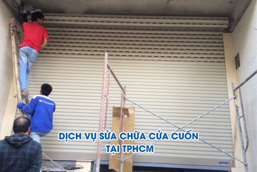 dich-vu-sua-chua-cua-cuon-tphcm